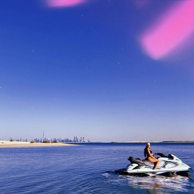 Cristiano Ronaldo và bạn gái gợi cảm đi nghỉ ở Dubai - ảnh 1