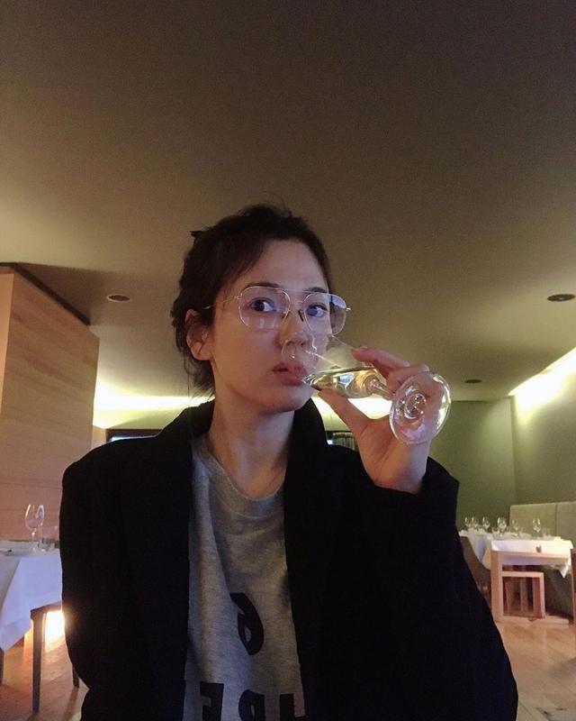 Song Hye Kyo mải mê du lịch, sống bình di và cô đơn hậu ly hôn - ảnh 9