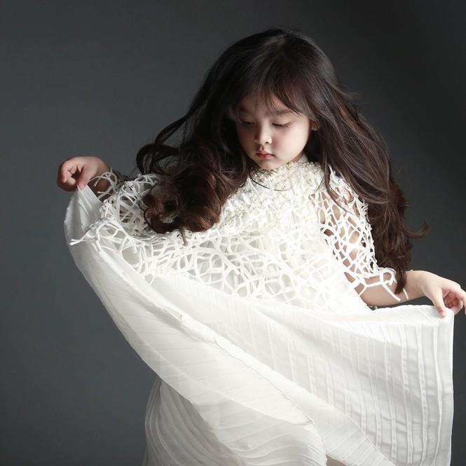 'Mỹ nhân đẹp nhất Philippines' kỷ niệm 5 năm ngày cưới ngọt ngào bên chồng - ảnh 10