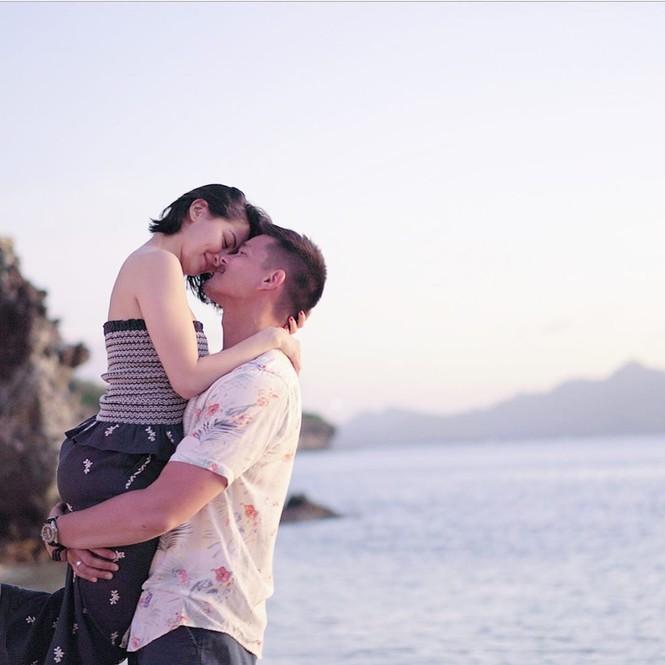 'Mỹ nhân đẹp nhất Philippines' kỷ niệm 5 năm ngày cưới ngọt ngào bên chồng - ảnh 2