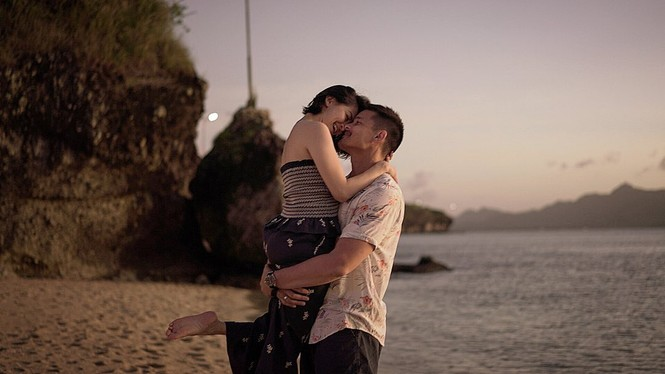 'Mỹ nhân đẹp nhất Philippines' kỷ niệm 5 năm ngày cưới ngọt ngào bên chồng - ảnh 4
