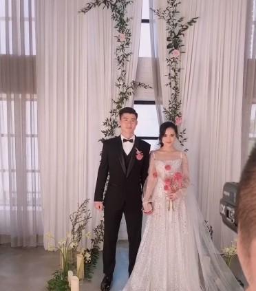 Cầu thủ Duy Mạnh chụp ảnh cưới cực tình bên bạn gái Quỳnh Anh - ảnh 3