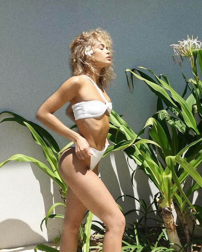 Jasmine Sanders diện bikini 'bỏng mắt' ở đảo thiên đường - ảnh 5