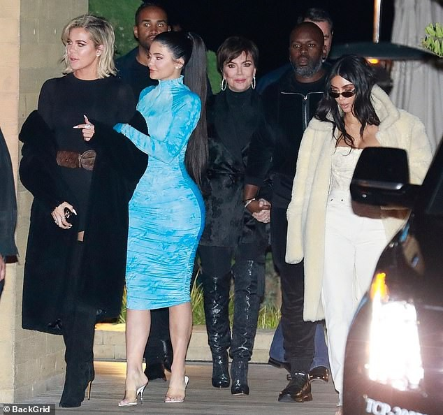 Kylie Jenner chuộng mặc bó sát tôn ba vòng bốc lửa - ảnh 7
