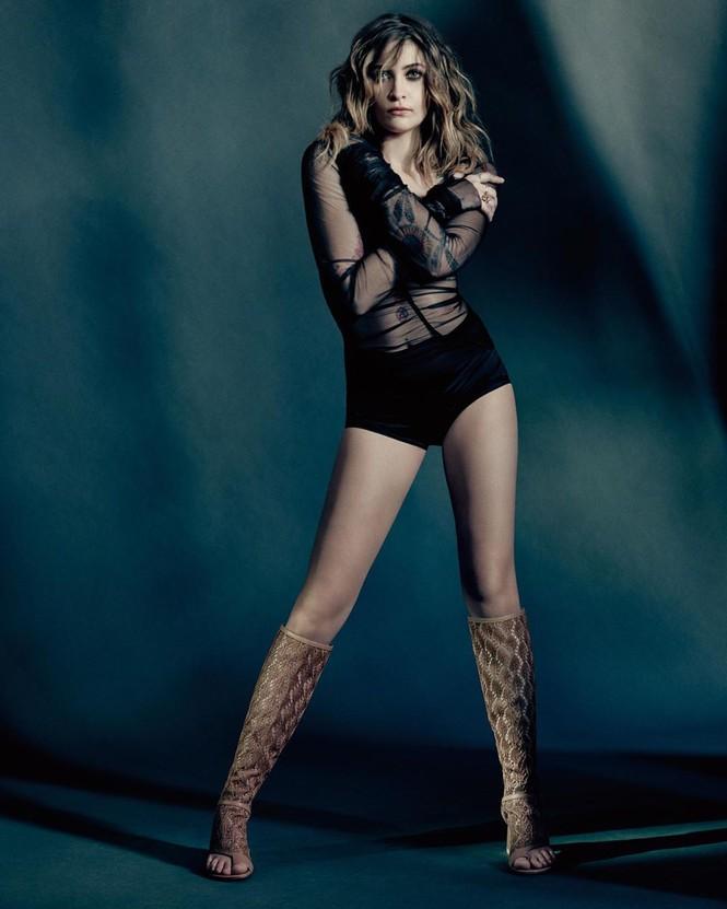 Con gái 9x của Michael Jackson gợi cảm với đôi chân dài miên man - ảnh 2