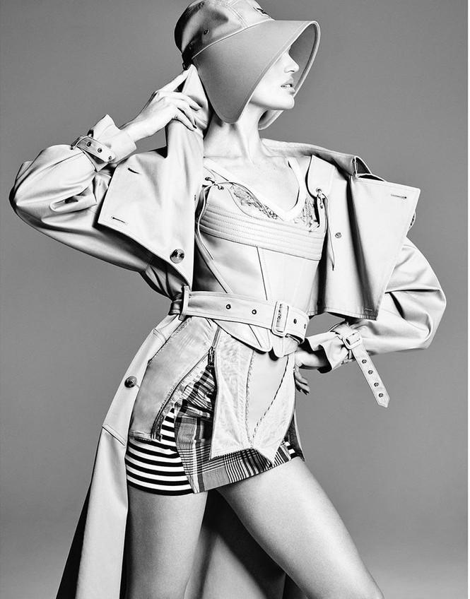 Ngắm Candice Swanepoel phô diễn đường cong 'gây mê' - ảnh 5