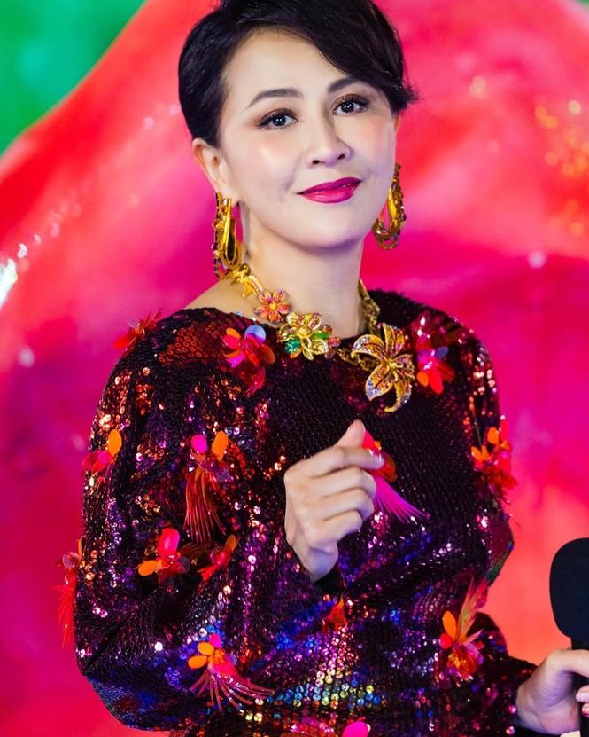Lưu Gia Linh, Dương Mịch, Angelababy rạng ngời đón xuân - ảnh 1