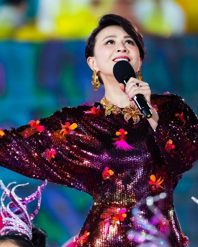 Lưu Gia Linh, Dương Mịch, Angelababy rạng ngời đón xuân - ảnh 4