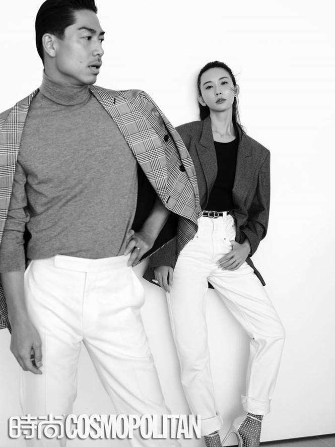 Lâm Chí Linh mặc áo xẻ ngực gợi cảm cùng chồng trẻ dự Grammy - ảnh 9