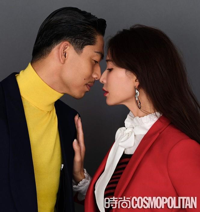 Lâm Chí Linh mặc áo xẻ ngực gợi cảm cùng chồng trẻ dự Grammy - ảnh 5