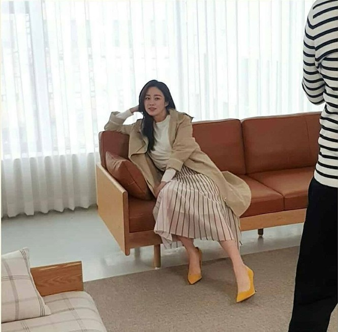 Kim Tae Hee đẹp như nữ thần ở tuổi 39 - ảnh 10