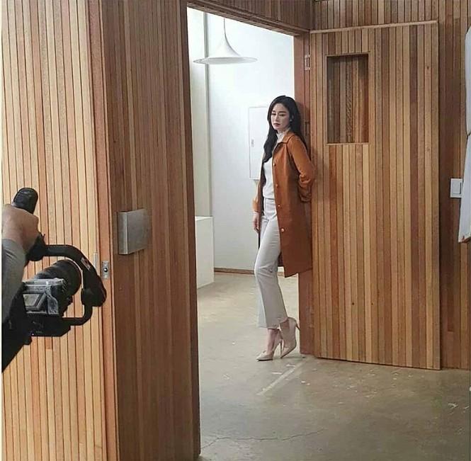 Kim Tae Hee đẹp như nữ thần ở tuổi 39 - ảnh 11