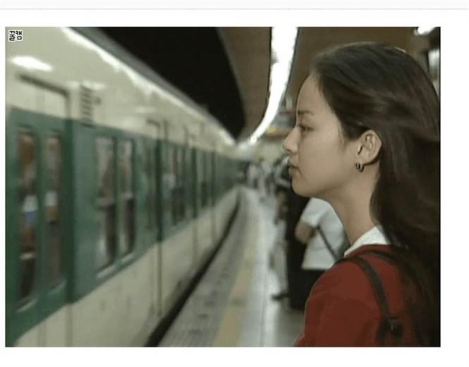 Kim Tae Hee đẹp như nữ thần ở tuổi 39 - ảnh 20