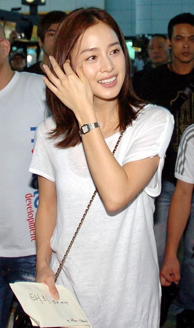 Kim Tae Hee đẹp như nữ thần ở tuổi 39 - ảnh 19