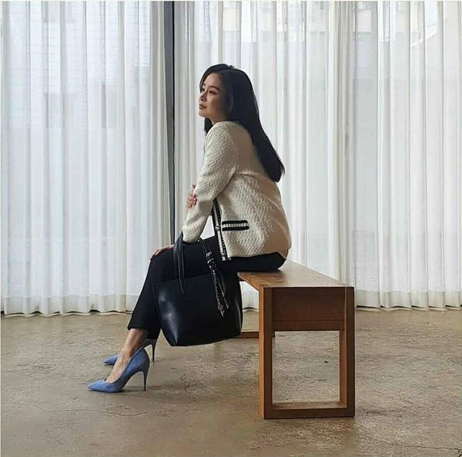 Kim Tae Hee đẹp như nữ thần ở tuổi 39 - ảnh 8