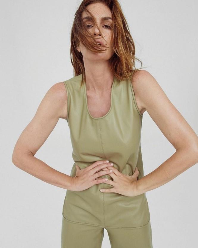 Siêu mẫu huyền thoại Cindy Crawford U60 trẻ đẹp rạng ngời - ảnh 8