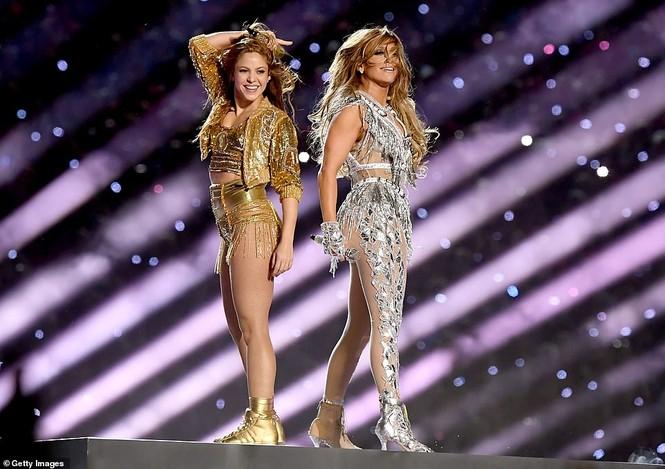 Jennifer Lopez 50 tuổi múa cột mặc bốc lửa nhảy sung ở Miami - ảnh 17
