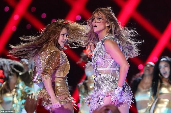 Jennifer Lopez 50 tuổi múa cột mặc bốc lửa nhảy sung ở Miami - ảnh 15