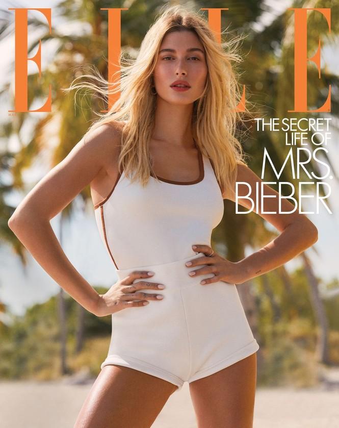 Vợ Justin Bieber diện áo tắm siêu gợi cảm trên biển - ảnh 1