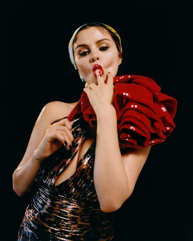 'Bỏng mắt' trước loạt ảnh Selena Gomez gợi cảm rực lửa đến 'nghẹt thở' - ảnh 10