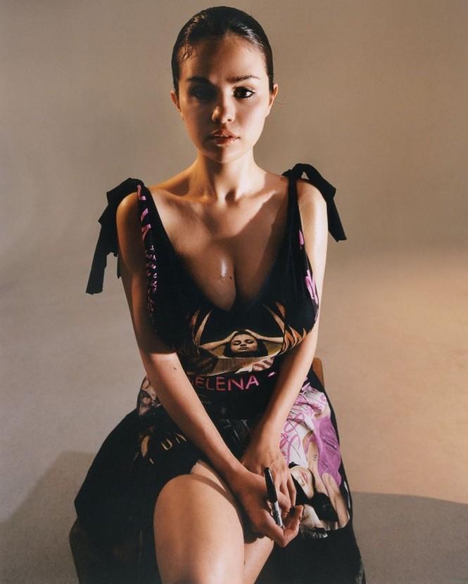 'Bỏng mắt' trước loạt ảnh Selena Gomez gợi cảm rực lửa đến 'nghẹt thở' - ảnh 3