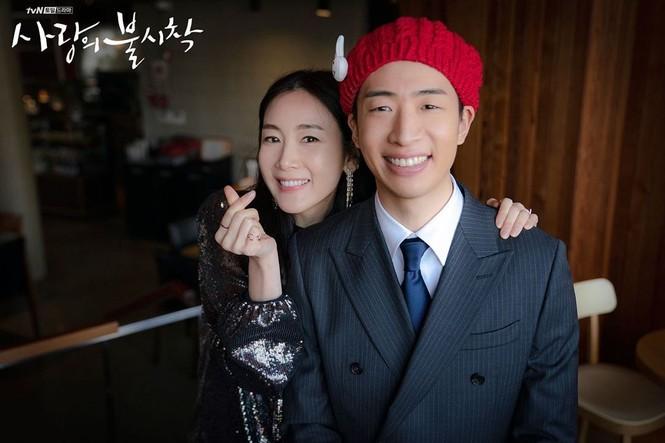 Choi Ji Woo bất ngờ xuất hiện trong 'Hạ cánh nơi anh' khiến fan thích thú - ảnh 6