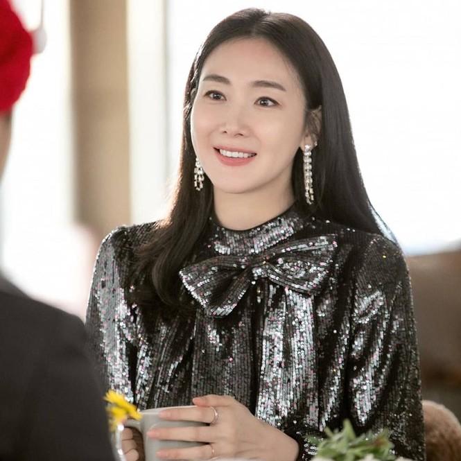Choi Ji Woo bất ngờ xuất hiện trong 'Hạ cánh nơi anh' khiến fan thích thú - ảnh 5