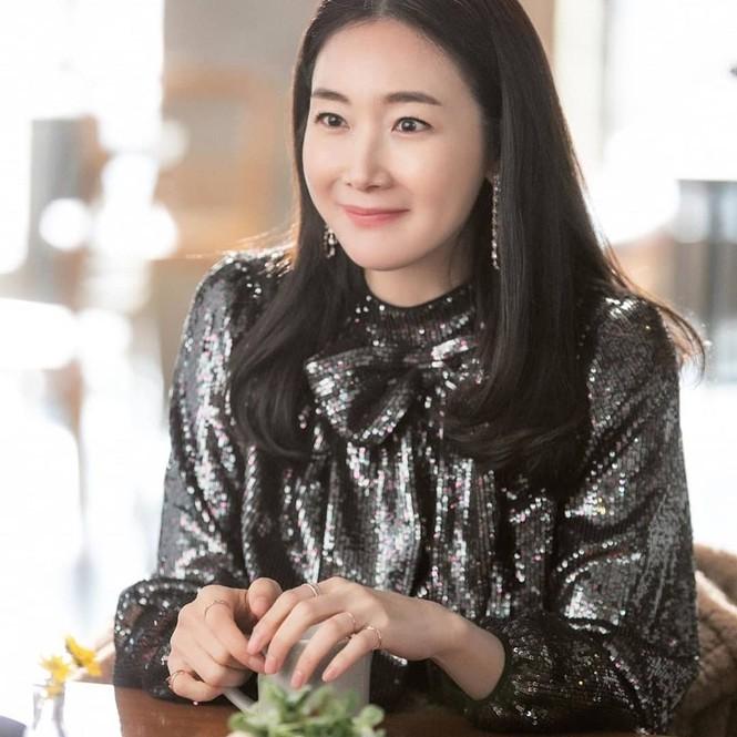 Choi Ji Woo bất ngờ xuất hiện trong 'Hạ cánh nơi anh' khiến fan thích thú - ảnh 4