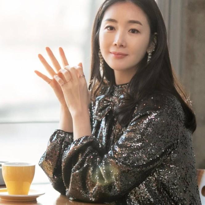 Choi Ji Woo bất ngờ xuất hiện trong 'Hạ cánh nơi anh' khiến fan thích thú - ảnh 3