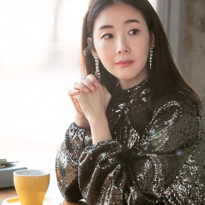 Choi Ji Woo bất ngờ xuất hiện trong 'Hạ cánh nơi anh' khiến fan thích thú - ảnh 2