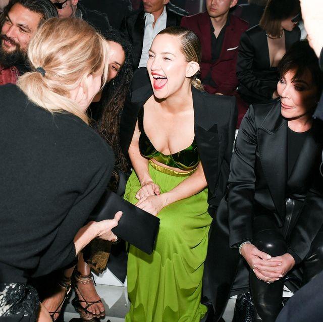 Kate Hudson 40 tuổi trẻ đẹp siêu gợi cảm với đầm hở ngực sâu - ảnh 8