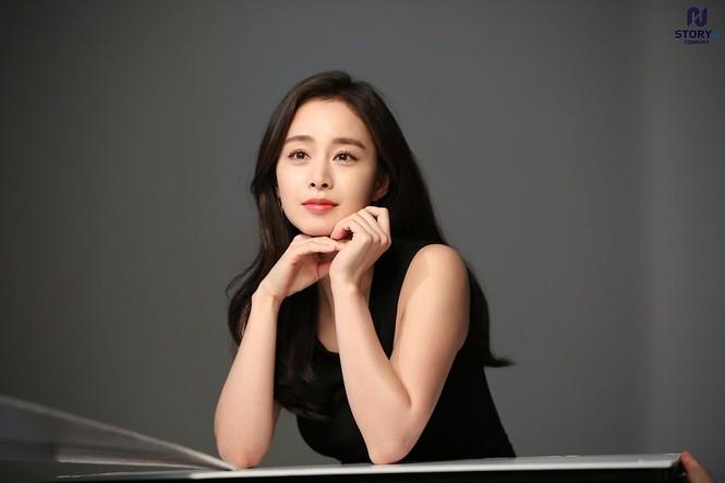 Kim Tae Hee trẻ đẹp như ở tuổi đôi mươi dù sắp tứ tuần - ảnh 6