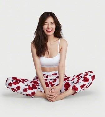 Biểu tượng gợi cảm HyunA khoe thân hình 'gây mê' - ảnh 8