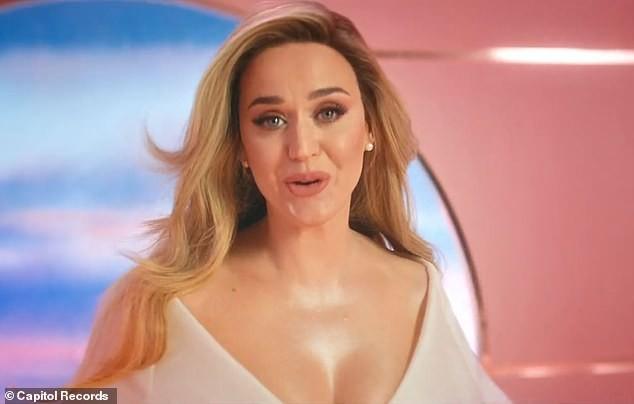 Siêu gợi cảm trong MV mới, Katy Perry mang bầu với 'cướp biển' Orlando Bloom - ảnh 3