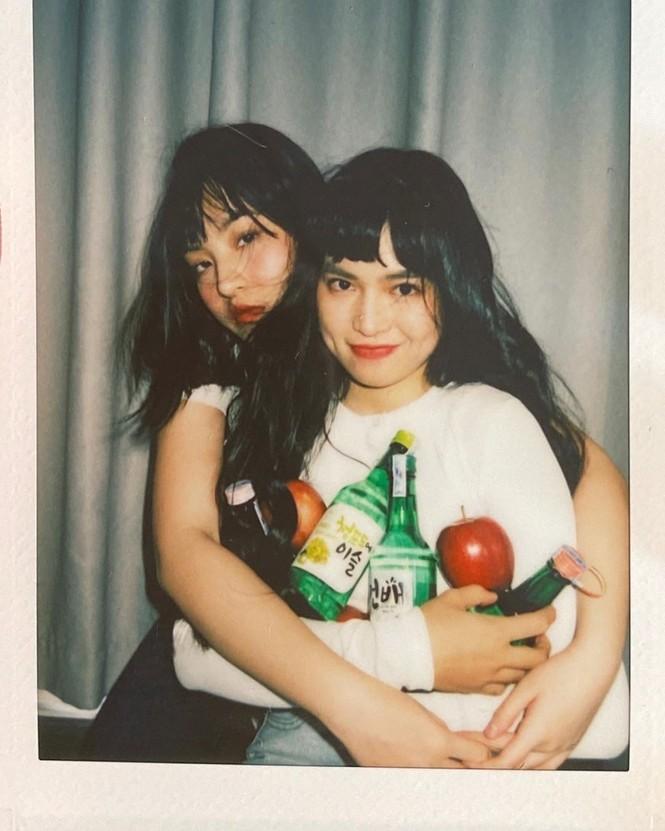 Hai 'hot girl Mắt biếc' đẹp nền nã trong loạt ảnh 'hồng hồng tuyết tuyết' - ảnh 17