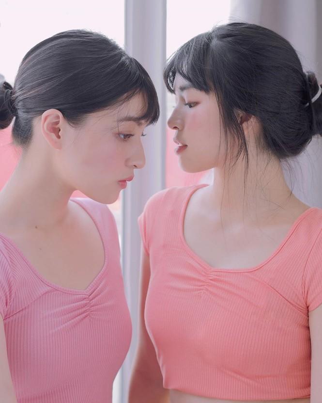 Hai 'hot girl Mắt biếc' đẹp nền nã trong loạt ảnh 'hồng hồng tuyết tuyết' - ảnh 3
