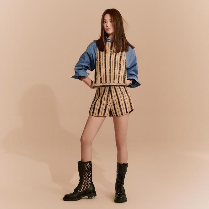 Song Hye Kyo sành điệu cực chất trên Bazaar Thái - ảnh 3