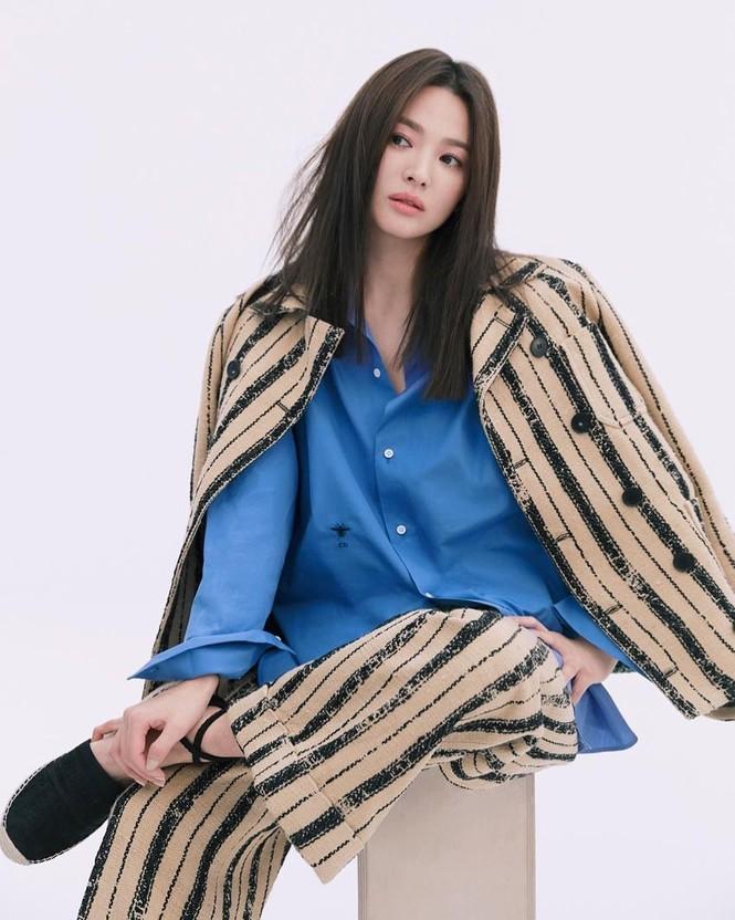 Song Hye Kyo sành điệu cực chất trên Bazaar Thái - ảnh 4