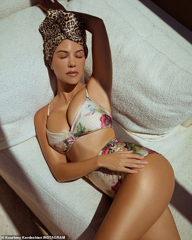Kourtney Kardashian sở hữu sắc vóc trẻ trung đầy sức sống dù đã sinh 3 con. - ảnh 5