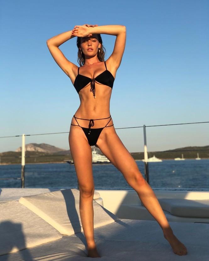 Siêu mẫu Úc Georgia Gibbs trẻ đẹp đầy sức sống thanh xuân - ảnh 6