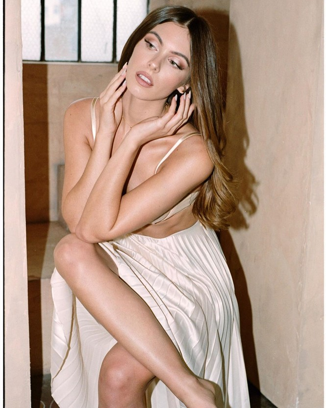 Người đẹp Carmella Rose diện áo tắm hở bạo 'nhức mắt' - ảnh 9