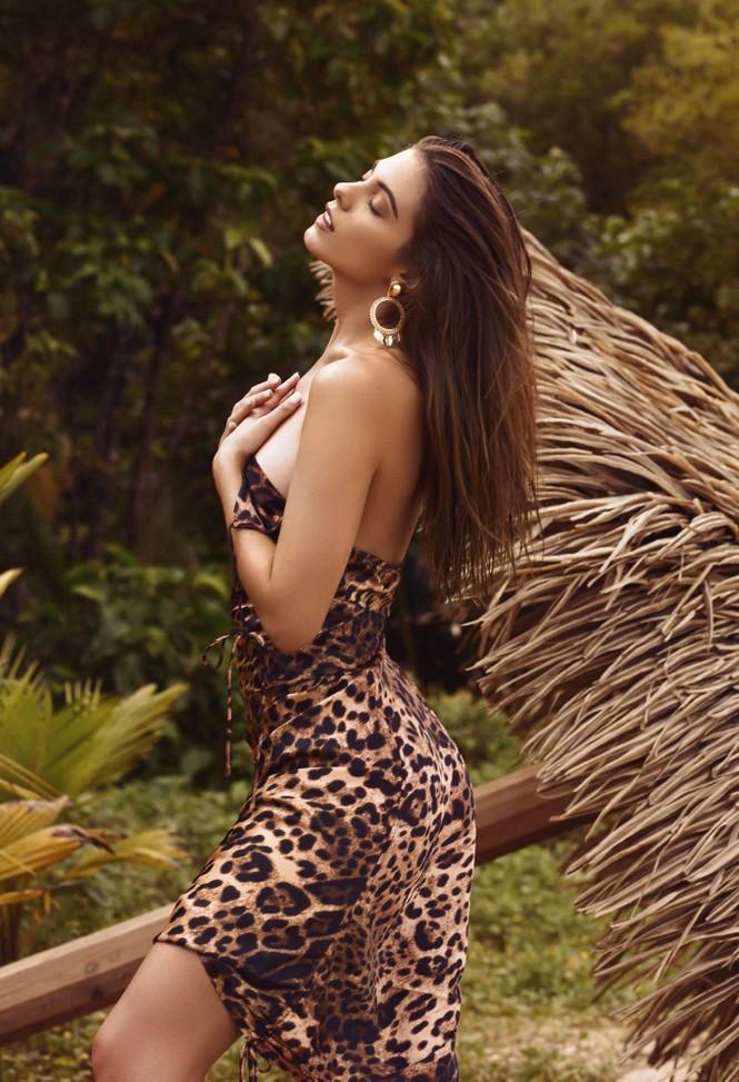 Người đẹp Carmella Rose diện áo tắm hở bạo 'nhức mắt' - ảnh 3
