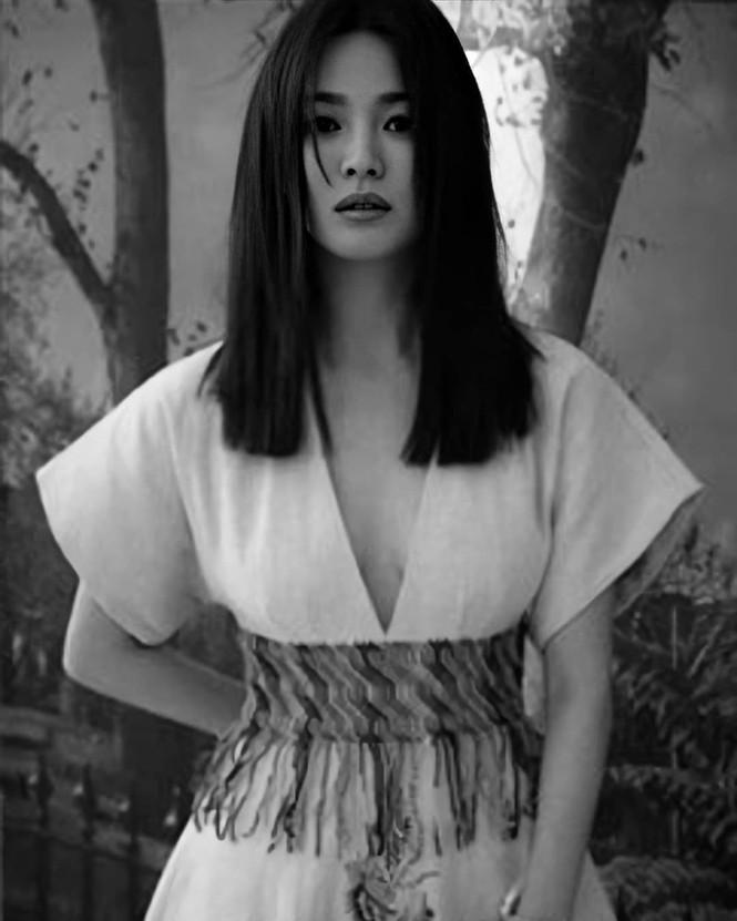 Song Hye Kyo - Mỹ nhân xứ Hàn U40 độc thân quyến rũ - ảnh 1