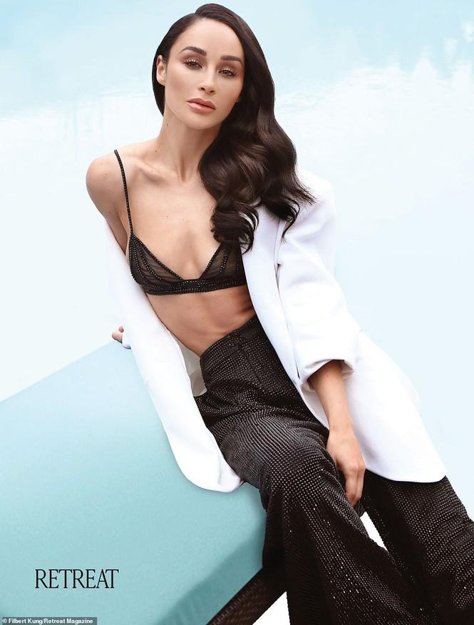 Dáng vóc quyến rũ mê hoặc của người đẹp Mỹ Cara Santana - ảnh 2