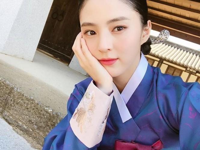Vẻ đẹp thanh tú của 'tiểu tam' Thế giới hôn nhân được coi là bản sao Song Hye Kyo - ảnh 2