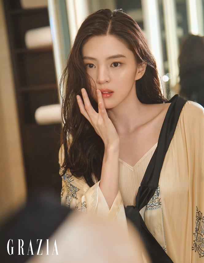 Vẻ đẹp thanh tú của 'tiểu tam' Thế giới hôn nhân được coi là bản sao Song Hye Kyo - ảnh 9