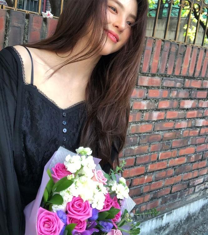 Vẻ đẹp thanh tú của 'tiểu tam' Thế giới hôn nhân được coi là bản sao Song Hye Kyo - ảnh 15