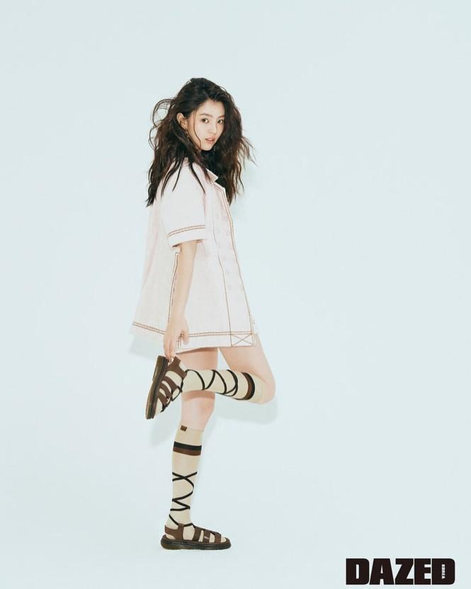 Vẻ đẹp thanh tú của 'tiểu tam' Thế giới hôn nhân được coi là bản sao Song Hye Kyo - ảnh 20