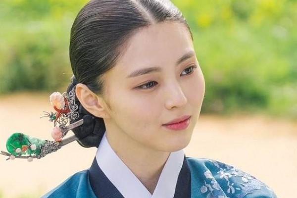 Vẻ đẹp thanh tú của 'tiểu tam' Thế giới hôn nhân được coi là bản sao Song Hye Kyo - ảnh 1