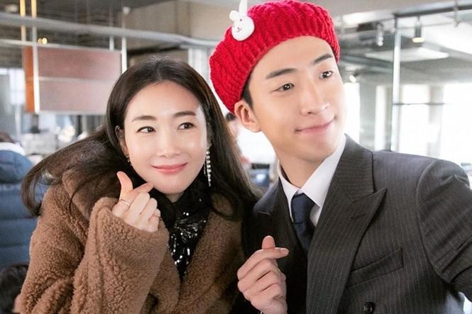 Đăng ảnh mang bầu ở tuổi 44, Choi Ji Woo được khen đẹp tựa tiên nữ - ảnh 6